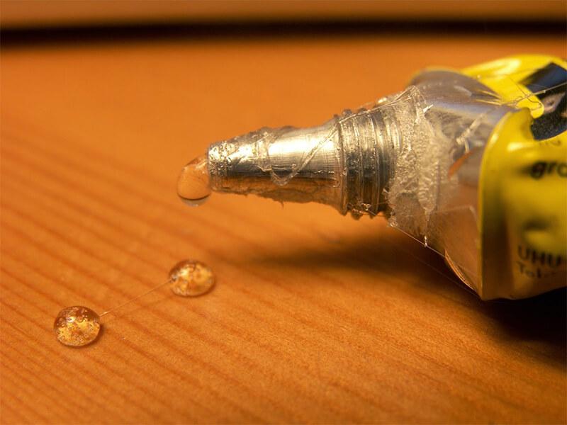 Plástico atuando como cola