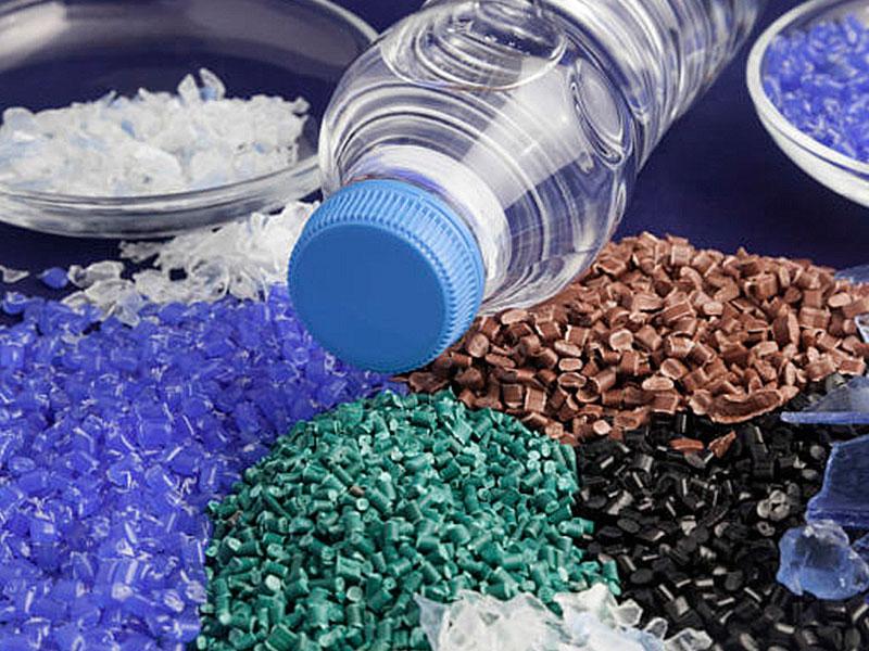 O plástico na fabricação de peças ecológicas