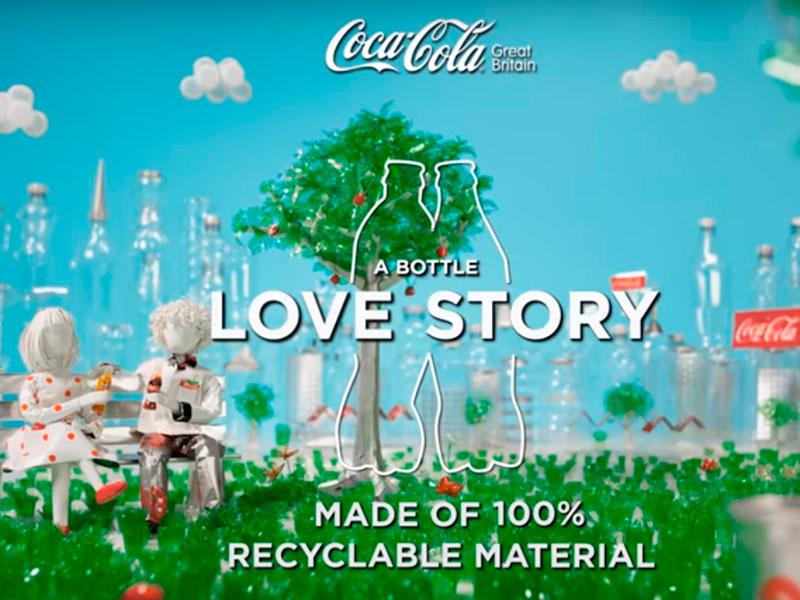Coca-Cola transforma história de garrafas recicláveis em caso de amor