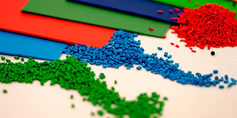 Injeção de plásticos – Como funciona a coloração?