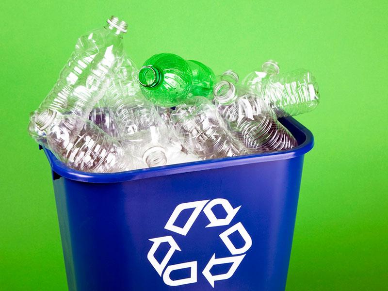 Descarte dos plásticos e boas práticas de consumo são temas do livro lançado pela Plastivida