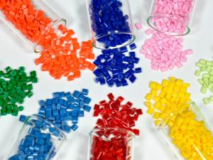 Resinas plásticas e os seus usos cotidianos
