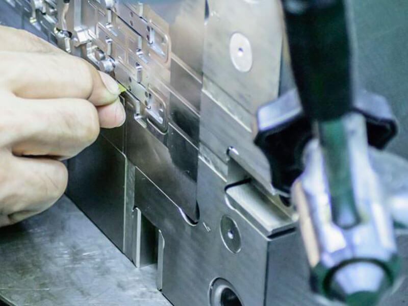 Polimento em moldes de injeção de termoplásticos: você sabe fazer?