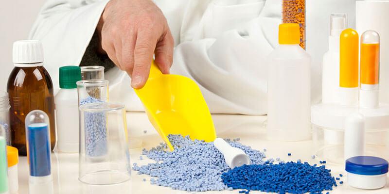 Combinação de materiais e injeção de termoplásticos